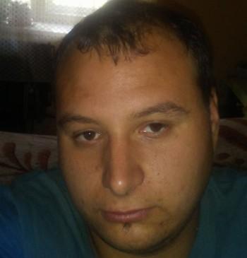 Schlaci társkereső profilja