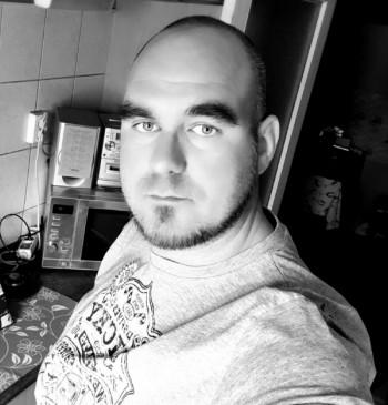 Ronnin társkereső profilja