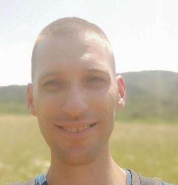 Boga társkereső profilja