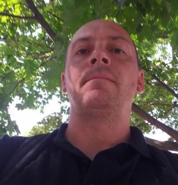Csaba László társkereső profilja
