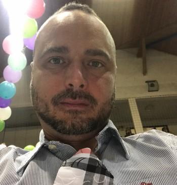 Tommy társkereső profilja