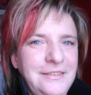 Julia társkereső profilja