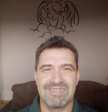 viktorov társkereső profilja